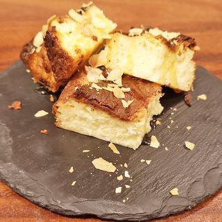 名物!バスク風チーズケーキ(フェルミンチョ ボカ (FERMiNTXO BOCA))