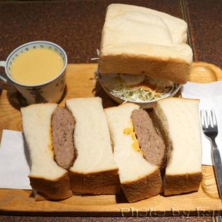 サンドイッチセット(ハンバーグサンド)(アメリカン )