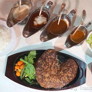 ハート1kgハンバーグ(ハンバーグアンドステーキ ハンバーグマニア (Hamburg & Steak Hamburg mania))