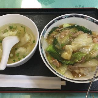 中華丼とワンタン(東亜食堂 (トウアショクドウ))
