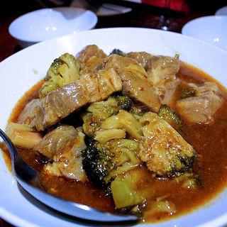 豚バラ肉とブロッコリーのチリソース煮(蜃気楼 )