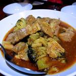 豚バラ肉とブロッコリーのチリソース煮