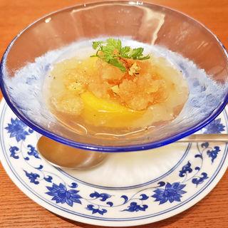 時果銀耳羮(お肌潤う白キクラゲのスープ 季節のフルーツ入り)(老四川 飄香小院)