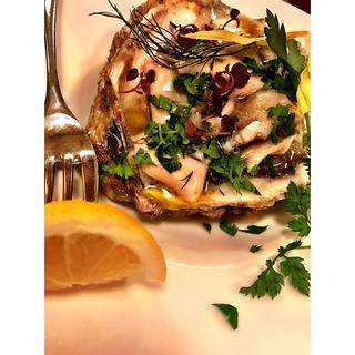 岩牡蠣(ビストロ・ポワソン・ルージュ (BISTRO POISSON ROUGE))
