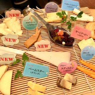 チーズの盛り合わせ M(約10種類)(チーズ酵房 Parme (チーズコウボウ パルメ))