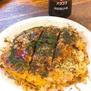 肉玉 麺入り(豚玉)(新風亭)