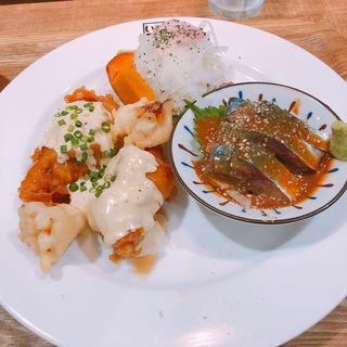 チキン南蛮&胡麻さば定食(いっかく食堂 天神店 )