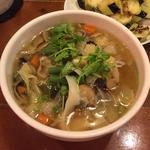 たっぷり野菜の刀削麺