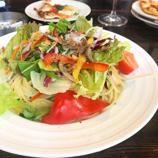 季節野菜とアンチョビのペペロンチーノ