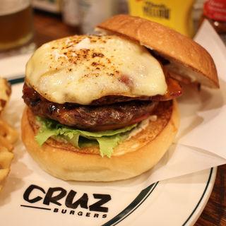 チリチーズベーコンバーガー(CRUZ BURGERS & CRAFT BEERS (クルズバーガーズ アンド クラフトビア))