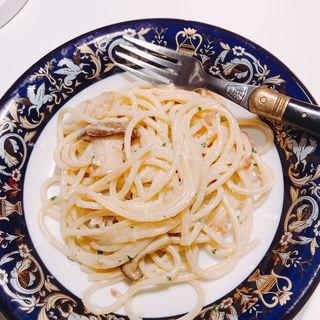 プロシュットと生ハムの生クリーム仕立てスパゲッティ(ベリッシモサロン)