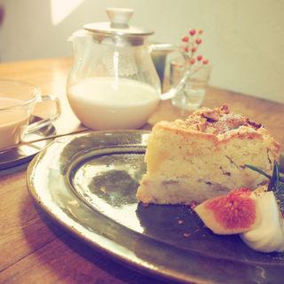 イチジクと胡桃のケーキ(森のオト。こぞらそう)