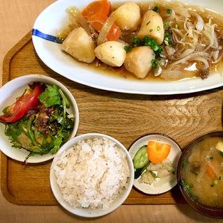 肉じゃが定食(黒毛和牛)レギュラー(キッチン 米一  千早店)