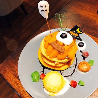 飛び出す目玉のハロウィンパンケーキ(イエローテイルカフェ カフェ&レストラン)