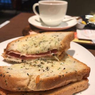 クロックムッシュとタマコサラダとコーヒー(上島珈琲店 神楽坂店 )