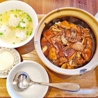 牛肉ときのこ土鍋ごはんセット(ゴールデン タイガー 六本木店 (GOLDEN TIGER))