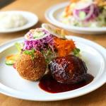 ハンバーグとビーフコロッケ(メルシーキッチン (merci kitchen))