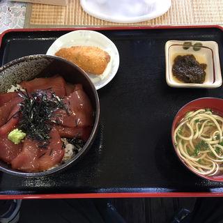 マグロの漬け丼(海人食堂 )