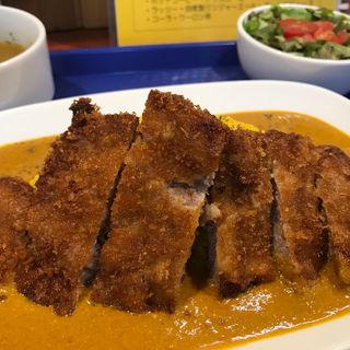 カツカレーセット (スープ、サラダ、ラッシー)(千鈴 (ちりん))