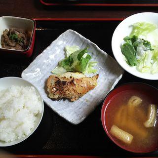 日替わりワンコインランチ(赤魚の西京漬け)
