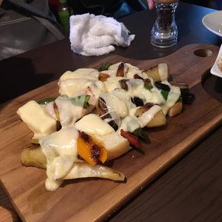 鎌倉野菜とチキンのラクレット