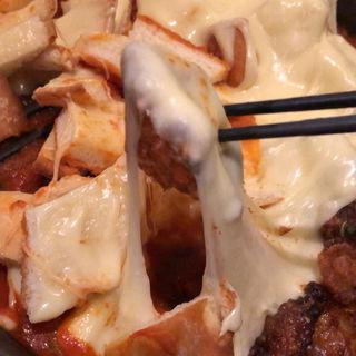壺漬けザンギのパネチキン(肉・海鮮・チーズ 北海道バル ほろほろ)