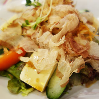 豆腐サラダ(屋台居酒屋 大阪 満マル(まんまる) 西新店)