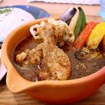 京赤地鶏の手羽元スープカレー(土鍋スープカレー 近江屋清右衛門 (Cray pod soup curry Ohmiya Seiuemon) )