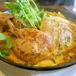 チキンレッグのスープカレー(spice&cafe SidMid (スパイスアンドカフェ シドミド))