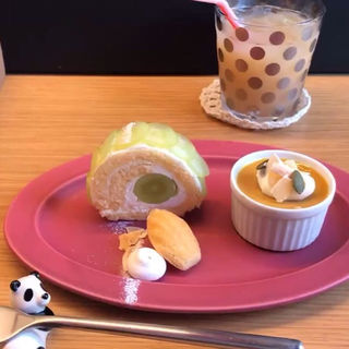 ぶどうのロールケーキとかぼちゃプリン(dolce panda)