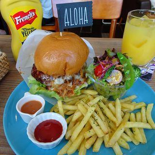 ハワイアンバーガープレート+チーズ(グッドライフサーフダイナー)