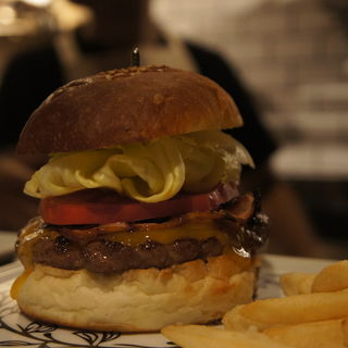 ベーコンチーズバーガー(folk burgers&beers)