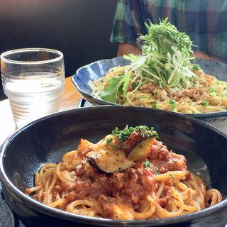 モッツァレラチーズのミートソーススパゲッティ(洋麺屋 五右衛門阪急32番街店)