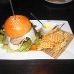 二度と同じの作れないハンバーグ使用ハンバーガー(越谷バーガー(ネギ照り焼き))