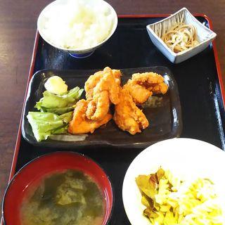 から揚げ定食(日本酒専門 のすけ)