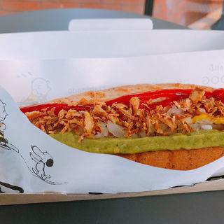 アボカド&フライドオニオンのホットドッグ(ピーナッツダイナー 神戸 (PEANUTS DINER))