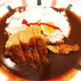 チキンカツカレー(カレーハウスピヨ )