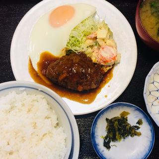 ハンバーグ定食(いこい食堂 )