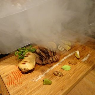燻製肉盛り合わせ2~3人前(燻製バル モトカラ)