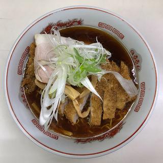 トンカツ正油ラーメン(龍宝)