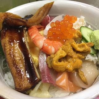 特上海鮮丼 (味館食堂 )