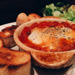 トリッパのトマト煮込み半熟卵乗せ