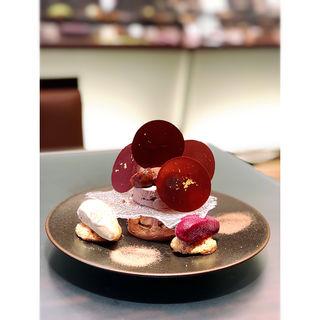 Tour de Babel en chocolat(ショコラティエ パレ ド オール 東京 (CHOCOLATIER PALET D'OR))