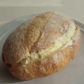 カルピス発酵バターのサンド(ブーランジェリーパティスリーE-ji&co. (ブーランジェリーパティスリーエージアンドコー))