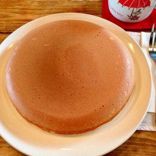 大きな大きな手作りパンケーキ(絵本カフェ holo holo (ホロホロ))