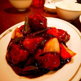 黒酢の酢豚(紫玉蘭 (シギョクラン))