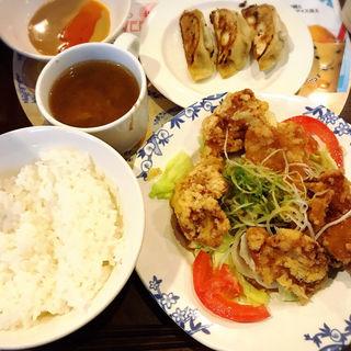 2種ソースで仕上げた大判油淋鶏定食(バーミヤン  品川グランドコモンズ店 )