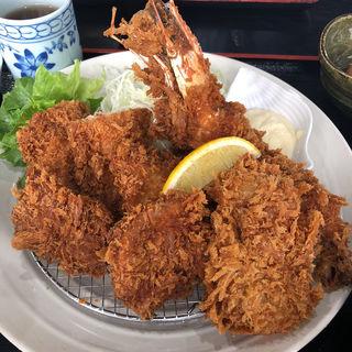 ミックスフライ定食(とんかつ 播 岩岡店 (トンカツ バン))