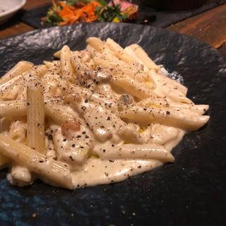 ゴルゴンゾーラとチーズのペンネ(ズイジ(zuiji))