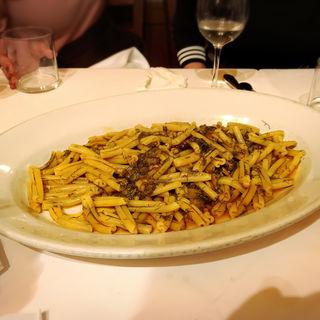 シチリア名物いわしとウイキョウのカサレッチェ(トラットリア シチリアーナ・ドンチッチョ)